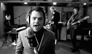 Videoclip VanVelzen 'Sing Sing Sing' – Corbino